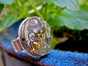 rue de la marguerite watch ring