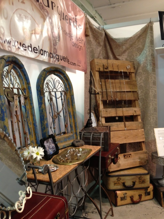 uniquela, unique la, upcycled, vintage, handmade jewelry, rdlm, booth display